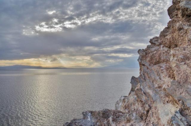 Cliffs over the Salton Sea